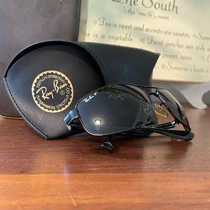 Ray-Ban Polarized Sunglasses and Case